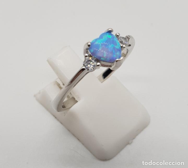 Joyeria: Bella sortija tipo solitario de pedida en plata de ley, circonitas y opalo azul talla corazón . - Foto 4 - 155208324