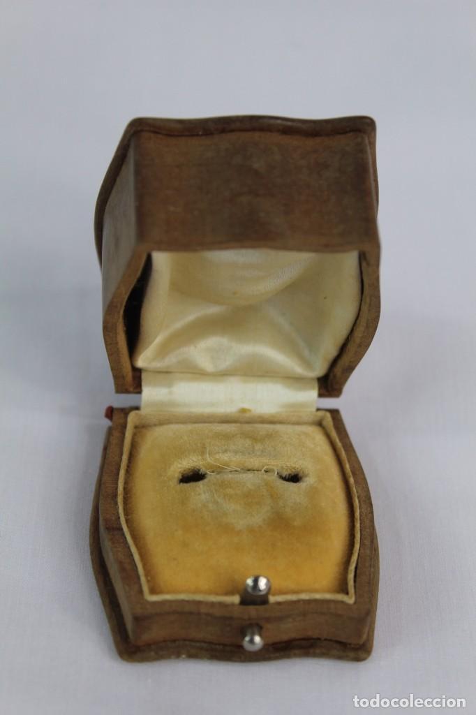 Joyeria: Caja de anillo en madera tallada época modernista fines XIX a pps del s XX Art Nouveau Mide 5.5x5x3 - Foto 2 - 149939798