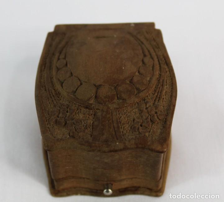 Joyeria: Caja de anillo en madera tallada época modernista fines XIX a pps del s XX Art Nouveau Mide 5.5x5x3 - Foto 4 - 149939798