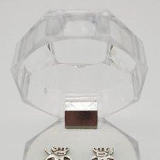 Jewelry - Simpáticos pendientes vintage en plata de ley contrastada con forma de monitos troquelados . - 150541190