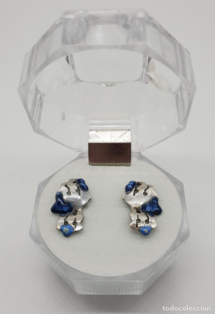 Joyeria: Pendientes de diseño en plata de ley con esmaltes azules troquelados a mano . - Foto 3 - 150541494