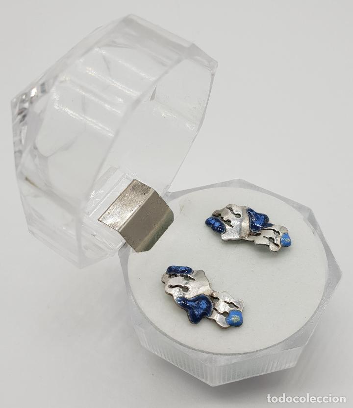 Joyeria: Pendientes de diseño en plata de ley con esmaltes azules troquelados a mano . - Foto 4 - 150541494