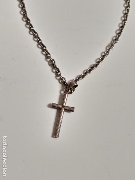 Joyeria: Cadena plateada vintage. Con colgante de crucifijo. 58 cm de largo. - Foto 2 - 150792590