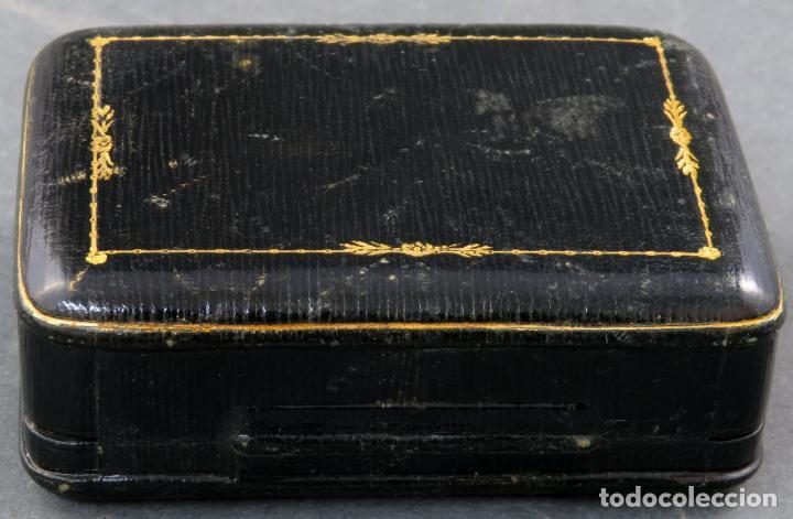 Joyeria: Estuche en piel negra e interior en seda de la Joyeria Güez de Madrid años 30 - Foto 3 - 152137010