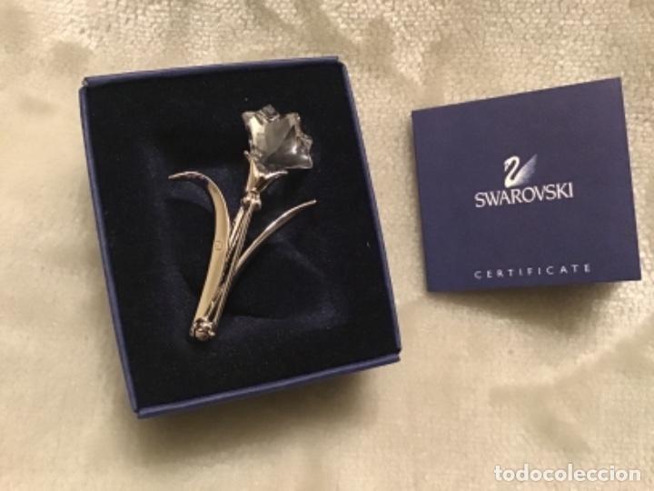 Joyeria: Broche plateado con flor en cristal de Swarovski - Foto 2 - 152572634