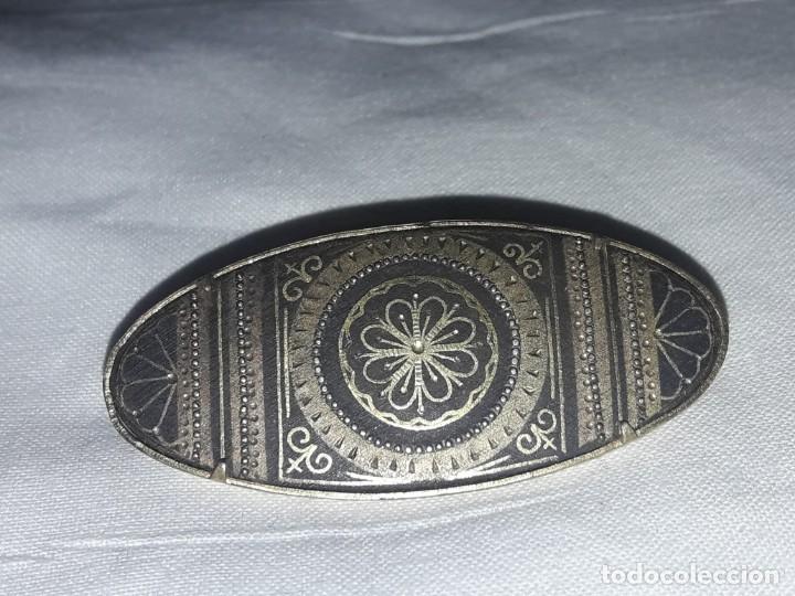 Joyeria: Precioso antiguo broche de damasquinado oro de Toledo - Foto 2 - 152970914