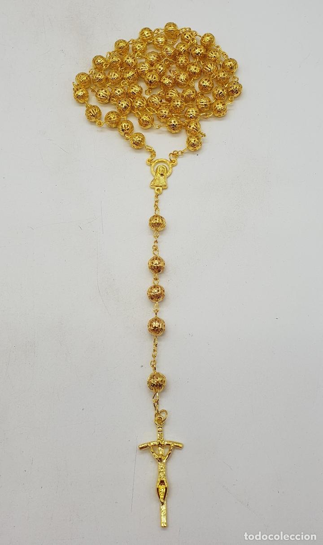 Joyeria: Bello rosario de bolas caladas con acabado en oro de ley . - Foto 2 - 183091572
