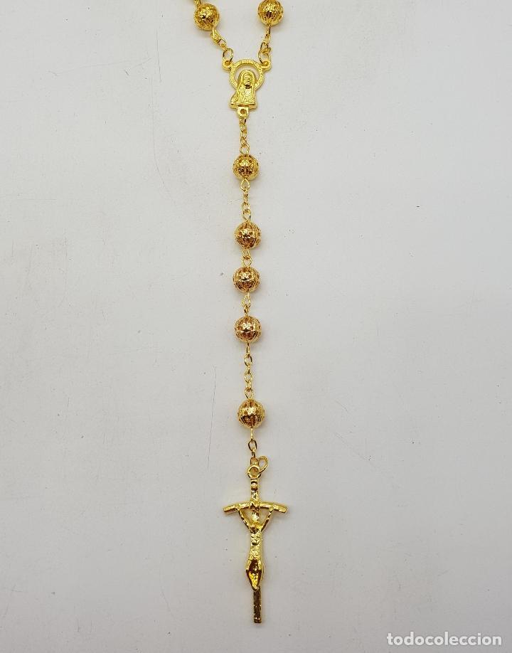 Joyeria: Bello rosario de bolas caladas con acabado en oro de ley . - Foto 3 - 183091572