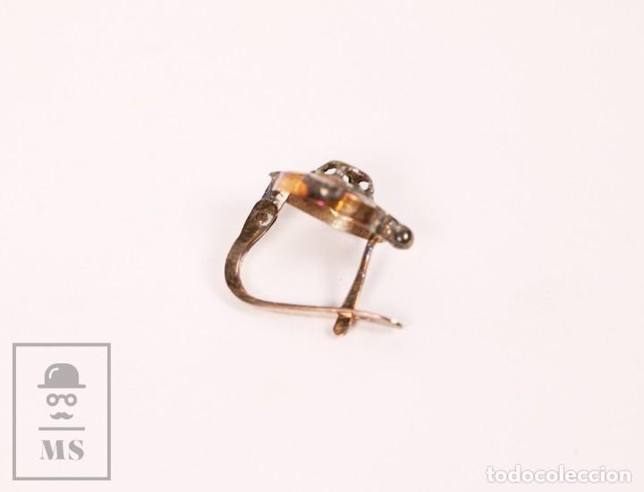 Joyeria: Pareja de Antiguos Pendientes Dorados con Piedra Central Inscrustada - Flor - Primera Mitad Siglo XX - Foto 7 - 153809186