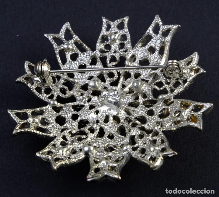 Joyeria: Broche de cristal de Swarovski y metal plateado - Foto 2 - 154021882