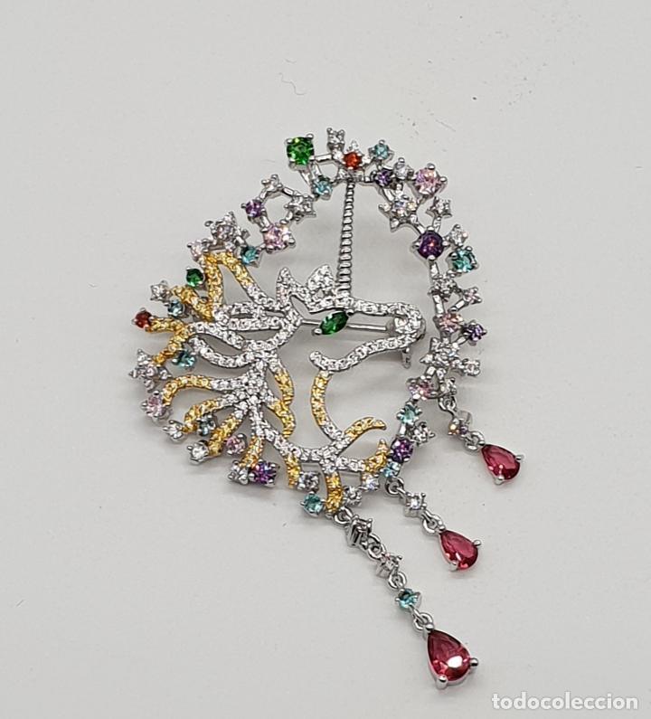 Joyeria: Espectacular broche de lujo unicornio con acabado en oro de 18k y pave de circonitas de colores . - Foto 5 - 177140589