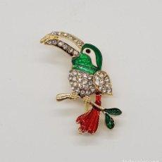 Joyeria - Original broche tucan con acabado en oro, esmaltes al fuego y pavé de circonitas talla brillante . - 158854125