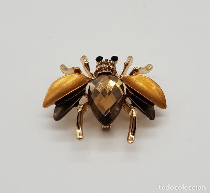 Joyeria: Elegante broche con forma de insecto, acabados en oro, esmaltes y cristal austriaco facetado . - Foto 3 - 173162417