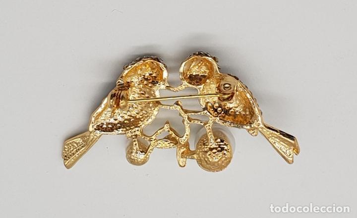 Joyeria: Broche vintage de pareja de aves con acabado en oro, esmaltes al fuego, circonitas y perlas . - Foto 6 - 159301300