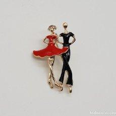 Jewelry - Original broche de pareja de baile con acabado en oro, esmaltes y circonitas talla brillante . - 154454926