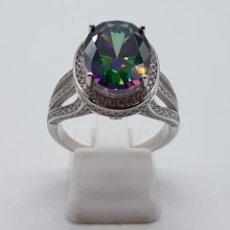 Jewelry - Impresionante anillo tipo marquesa en plata de ley, pavé de circonitas y gran topacio talla oval . - 154593634