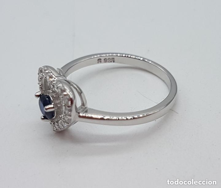 Joyeria: Bella sortija de pedida en plata de ley contrastada, circonitas talla brillante y zafiro . - Foto 5 - 154595830