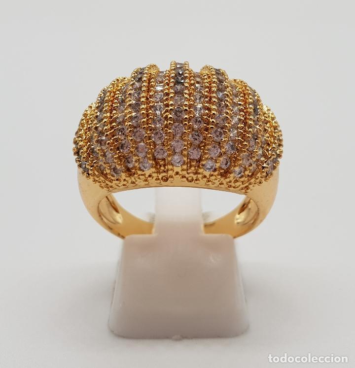 Joyeria: Gran anillo de lujo con pavé de circonitas talla brillante engarzadas y chapado en oro de 18k . - Foto 2 - 154742682