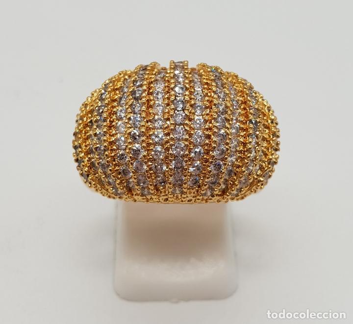 Joyeria: Gran anillo de lujo con pavé de circonitas talla brillante engarzadas y chapado en oro de 18k . - Foto 4 - 154742682