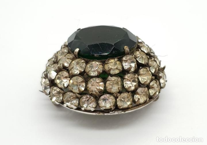 Joyeria: Precioso broche antiguo de estilo rococó con acabado en plata, circonitas y esmeralda oval creada . - Foto 3 - 154756386