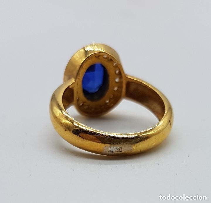 Joyeria: Antiguo anillo en plata de ley contrastada y baño de oro con pavé de circonitas y zafiro faceteado. - Foto 5 - 155246342