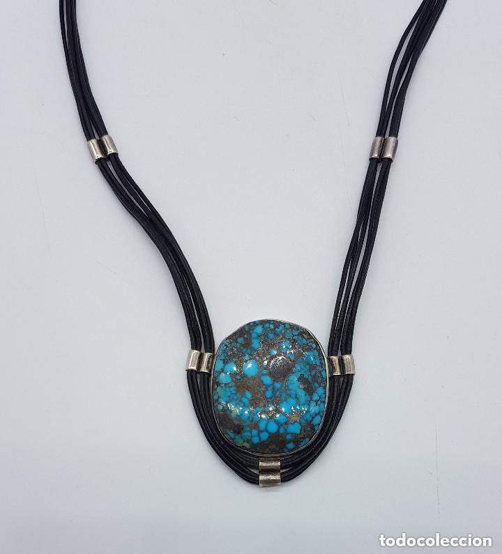 Joyeria: Distinguido collar en cuero y plata de ley contrastada con gran medallón de turquesa natural. - Foto 4 - 156947138