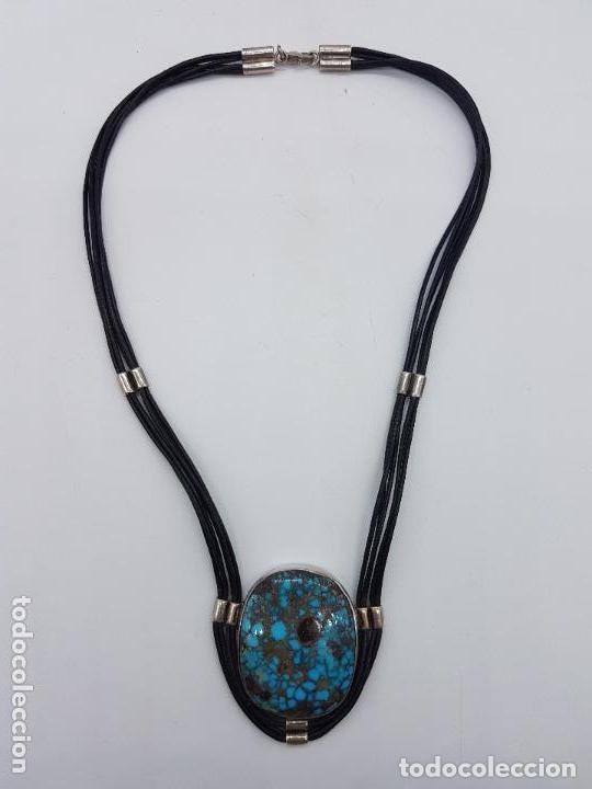 Joyeria: Distinguido collar en cuero y plata de ley contrastada con gran medallón de turquesa natural. - Foto 5 - 156947138