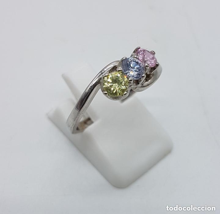Joyeria: Antiguo anillo en plata de ley tipo pedida con circonitas de colores engarzadas talla diamante. - Foto 3 - 156948278