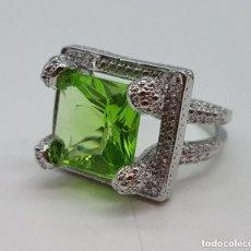 Jewelry - Precioso anillo de estilo art deco chapado en plata de ley con peridoto tallado creado. - 157662362