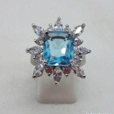 Jewelry - Espectacular anillo de pedida con topacio azul creado y circonitas chapado en plata de ley. - 157713982