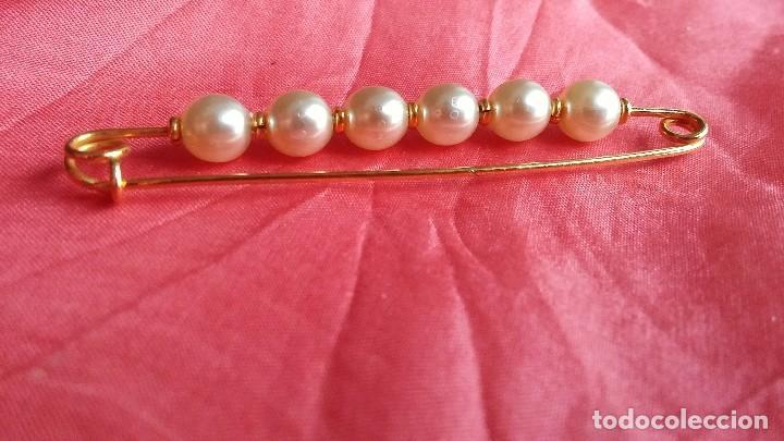 Joyeria: Broche dorado con perlas - Foto 2 - 157973474
