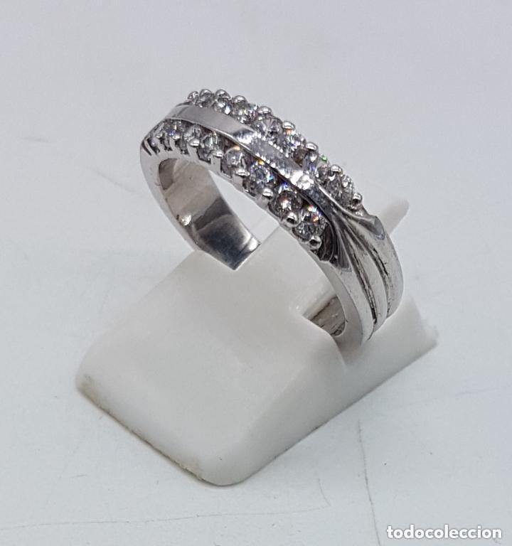 Joyeria: Elegante anillo antiguo en plata de ley contrastada con pave de circonitas talla brillante . - Foto 2 - 158359102
