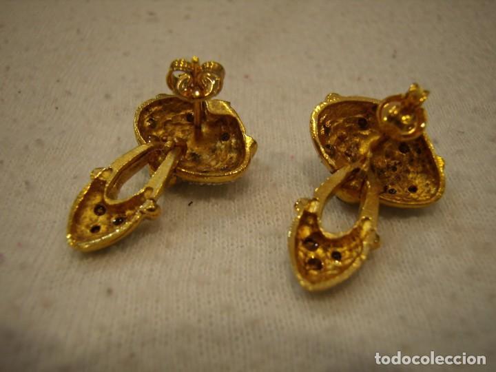Joyeria: Pendientes chapado oro, 18 Kt, circonios, años 80, cierre tuerca, 2,5 cm, Nuevo sin usar. - Foto 3 - 158432794