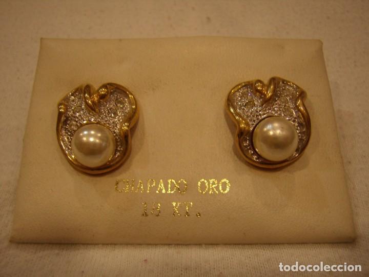 Joyeria: Pendientes chapado oro, circonios y perla, 18 KT, años 80, cierre omega, 18 Kt, Nuevo sin usar. - Foto 2 - 158374850