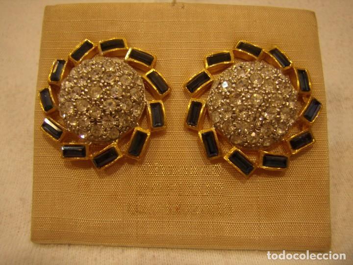 Joyeria: Pendientes chapado oro, circonios, piedras azules, años 80,cierre omega, de Rofixor, Nuevo sin usar. - Foto 2 - 158378694