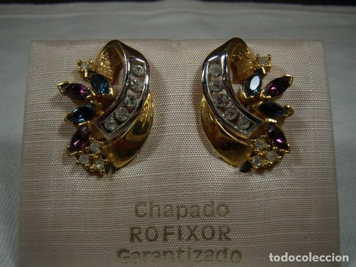 PENDIENTES CHAPADO ORO DE ROFIXOR, CIRCONIOS, PIEDRAS DE COLORES,18 KT,CIERRE OMEGA, NUEVO SIN USAR. (Joyería - Pendientes Antiguos)