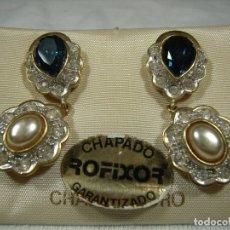 Joyeria: PENDIENTES CHAPADO ORO DE ROFIXOR,CIRCONIOS,PIEDRA AZUL,PERLA,18 KT, CIERRE OMEGA, NUEVO SIN USAR.. Lote 158425534