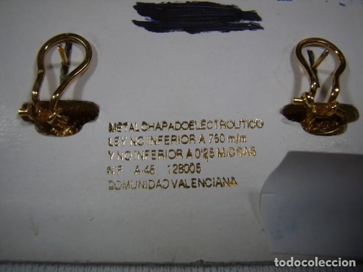 Joyeria: Pendientes chapado oro, circonios, piedra violeta, 18 Kt, años 80, cierre omega, Nuevo sin usar. - Foto 4 - 158426302