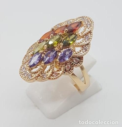 Joyeria: Magnífico anillo tipo lanzadera de lujo con acabado en oro, circonitas y pedrería talla marqués . - Foto 2 - 158832074