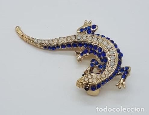 Joyeria: Original broche de estilo art decó con acabado en oro, y pavé de cristal austriaco talla brillante . - Foto 3 - 158835734