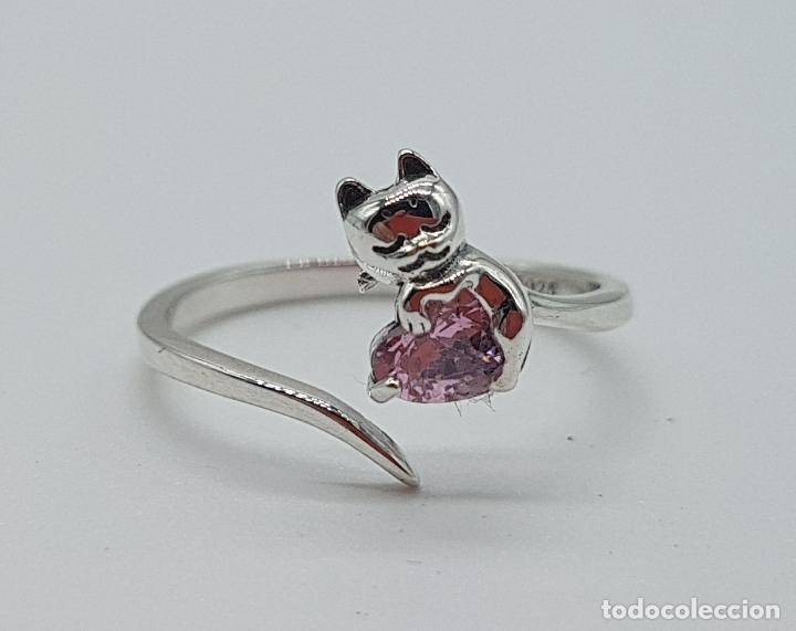 Joyeria: Original sortija de plata de ley contrastada con gato sujetando circonita color rosa talla corazón . - Foto 6 - 158837138