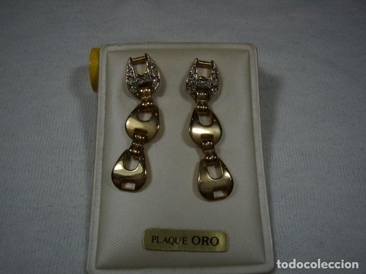 Joyeria: Pendientes chapado oro, circonios,largo, años 80, cierre tuerca, Nuevo sin usar. - Foto 2 - 159086838