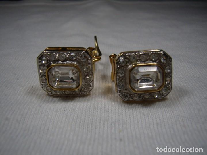 Joyeria: Pendientes chapado oro, 18 Kt, circonios, piedra blanca, años 80, cierre omega, Nuevo sin usar. - Foto 2 - 159122190