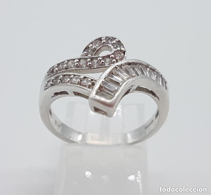 Joyeria: Magnífico anillo antiguo en plata de ley contrastada con circonitas talla brillante y baguette. - Foto 3 - 159182078
