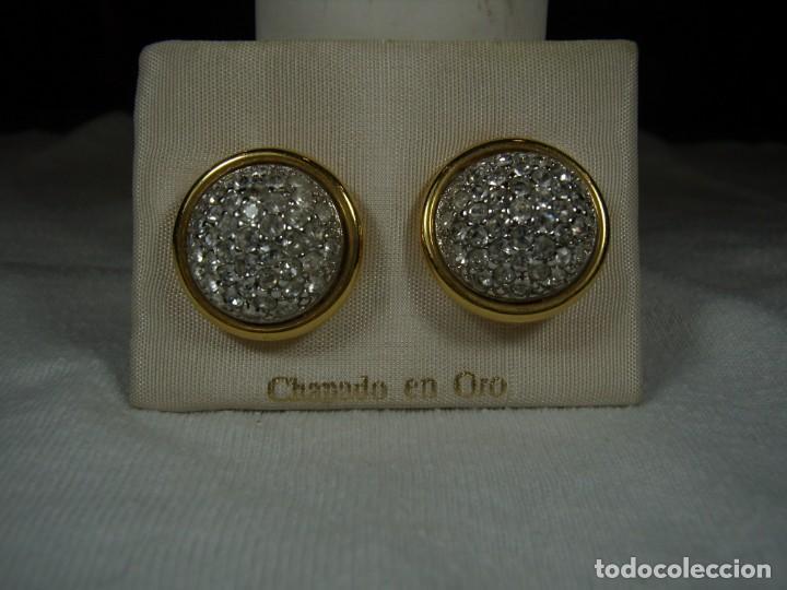 Joyeria: Pendientes chapado oro, 18 Kt, circonios, años 80, cierre omega, Nuevo sin usar. - Foto 2 - 159186082