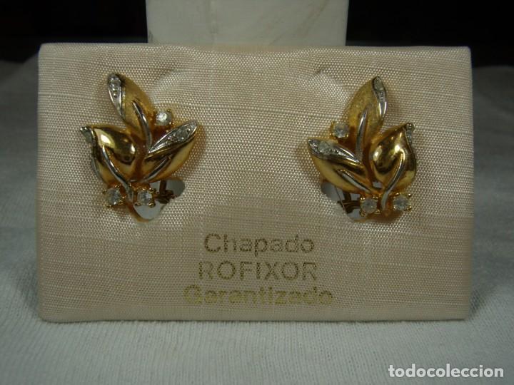 PENDIENTES CHAPADO ORO, 18 KT, CIRCONIOS,DE ROFIXOR, AÑOS 80, CIERRE OMEGA, NUEVO SIN USAR. (Joyería - Pendientes Antiguos)