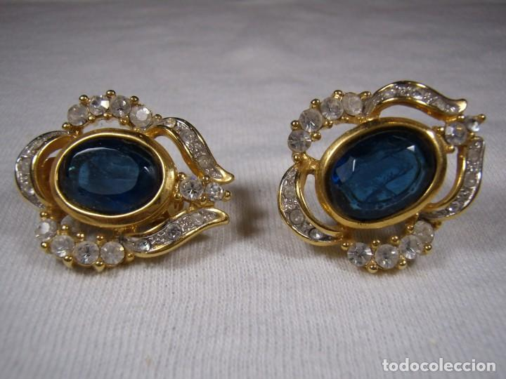 Joyeria: Pendientes chapado oro, 18 Kt, circonios, piedra azul, años 80, cierre omega, Nuevo sin usar. - Foto 2 - 159260922