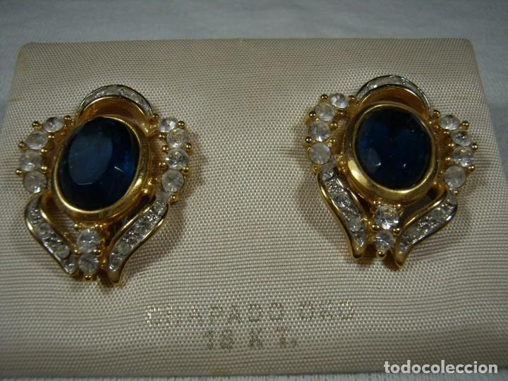 Joyeria: Pendientes chapado oro, 18 Kt, circonios, piedra azul, años 80, cierre omega, Nuevo sin usar. - Foto 3 - 159260922