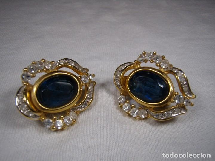 Joyeria: Pendientes chapado oro, 18 Kt, circonios, piedra azul, años 80, cierre omega, Nuevo sin usar. - Foto 6 - 159260922