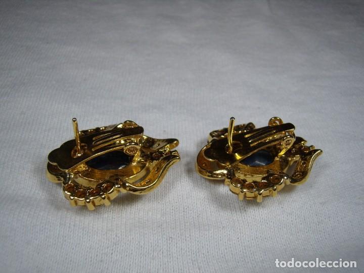 Joyeria: Pendientes chapado oro, 18 Kt, circonios, piedra azul, años 80, cierre omega, Nuevo sin usar. - Foto 7 - 159260922